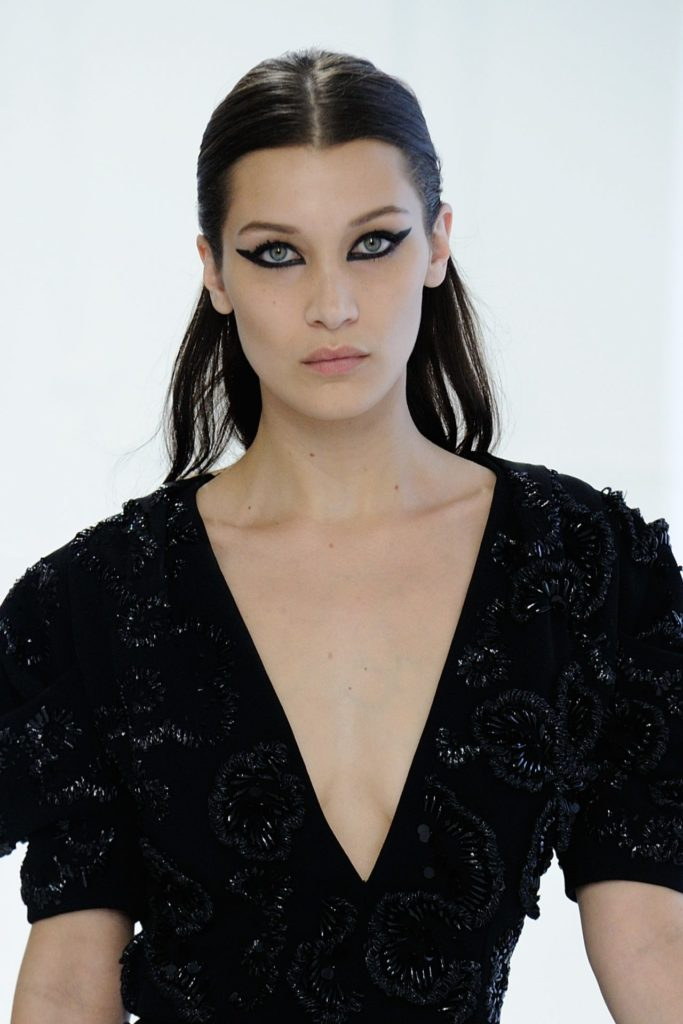 Bella-Hadid-Braless-Pictures
