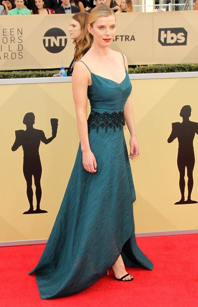 Betty-Gilpin-Feet-Images