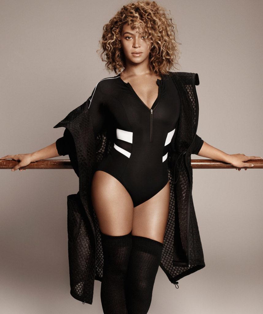 Beyonce-Bathing-Suit-Pics
