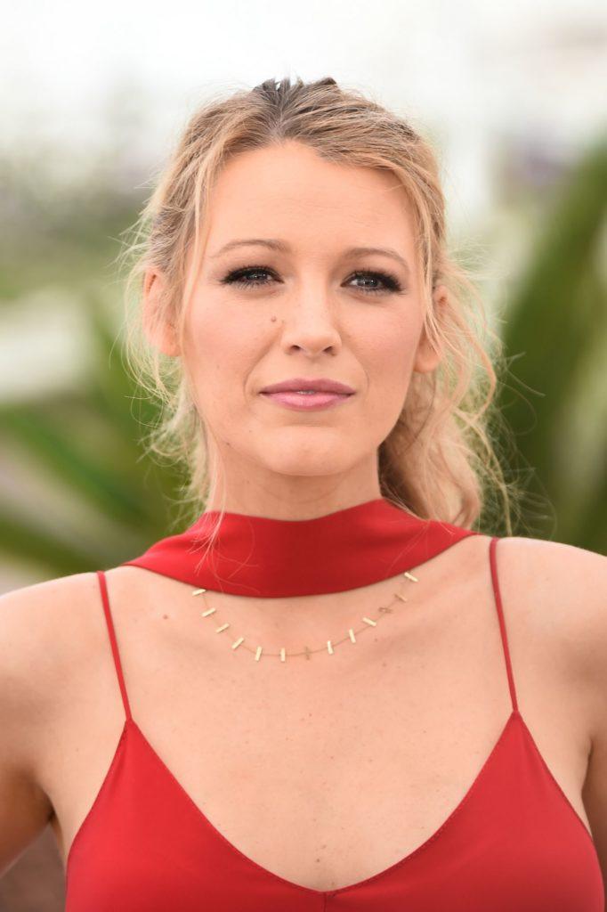 Blake-Lively-Cute-Photos