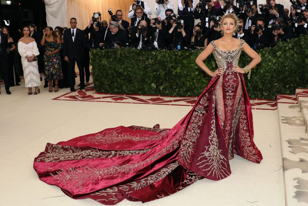 Blake-Lively-Gown-Pictures