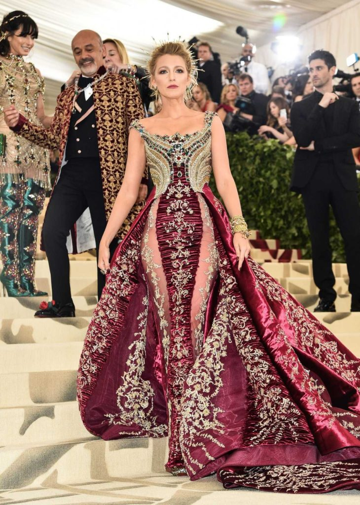 Blake-Lively-In-Red-Gown-Photos