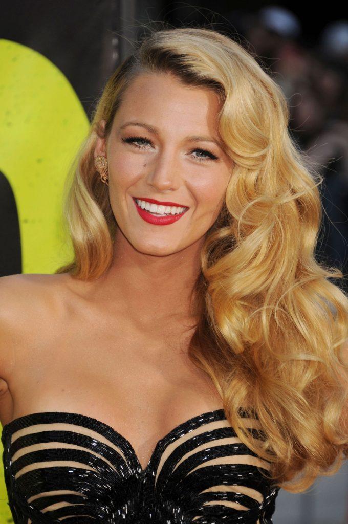 Blake-Lively-Smile-Pics