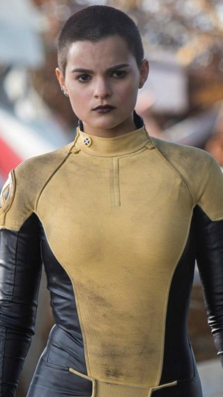 Brianna-Hildebrand-Movie-Look-Images