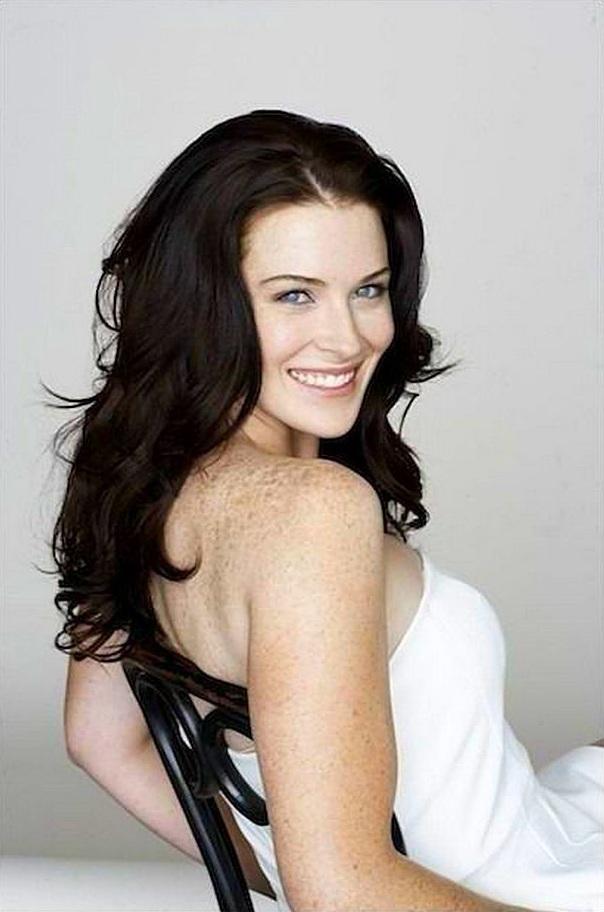 Bridget-Regan-Backless-Pics