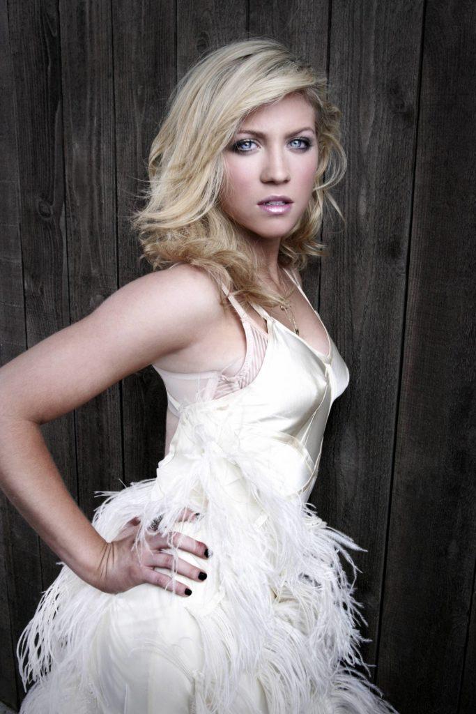 Brittany-Snow-Hot-Sexy-Pics