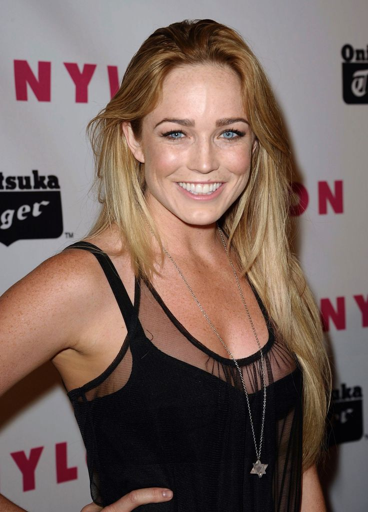 Caity-Lotz-Hot-Pictures