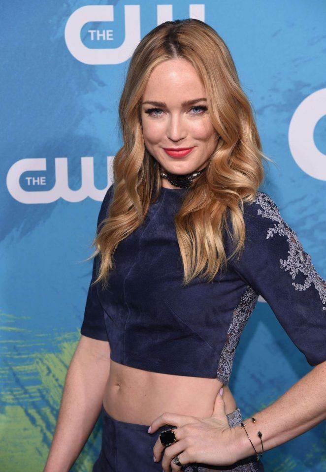 Caity-Lotz-Navel-Wallpapers