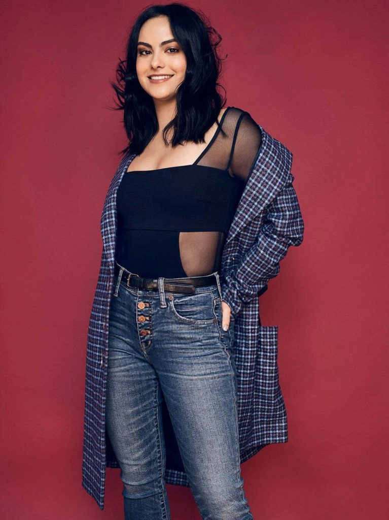 Camila-Mendes-Jeans-Wallpapers