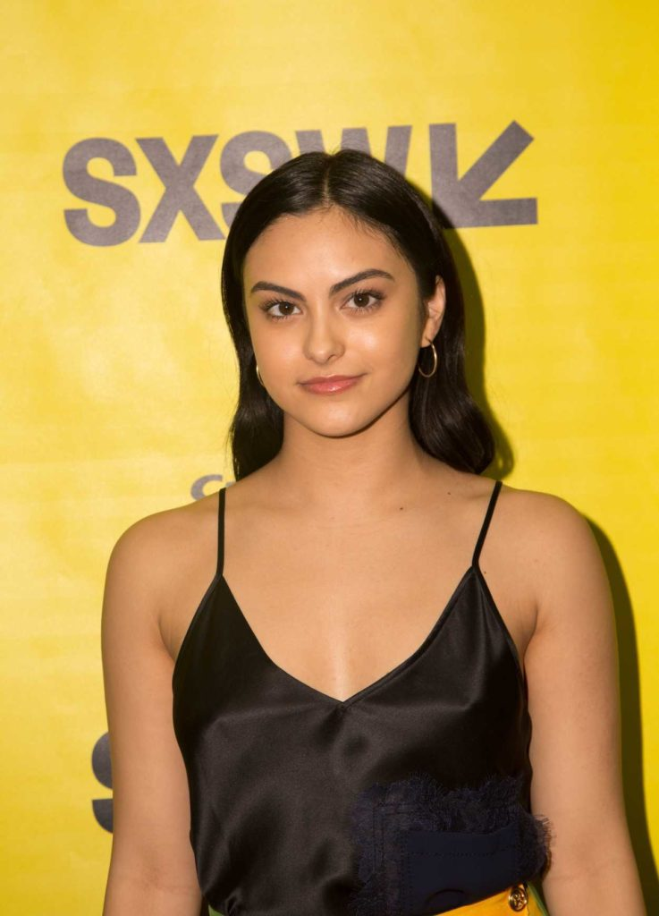Camila-Mendes-Muscles-Images