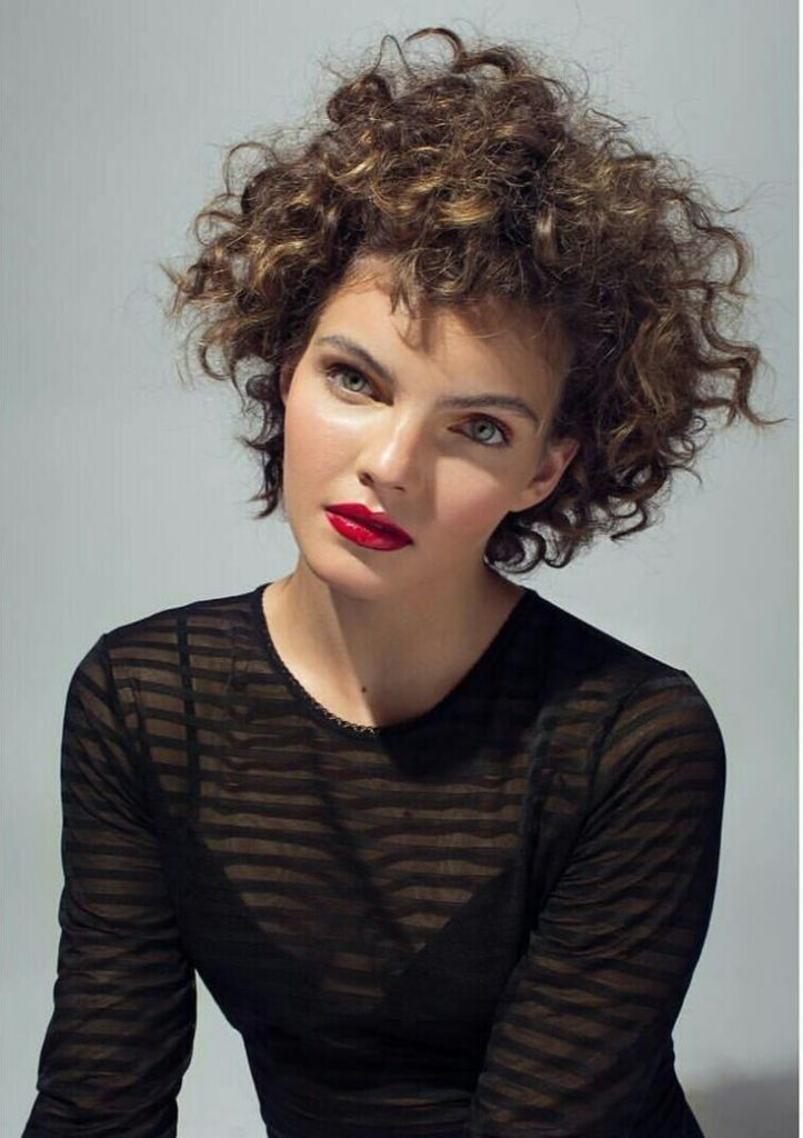 Camren-Bicondova-Makeup-Photos