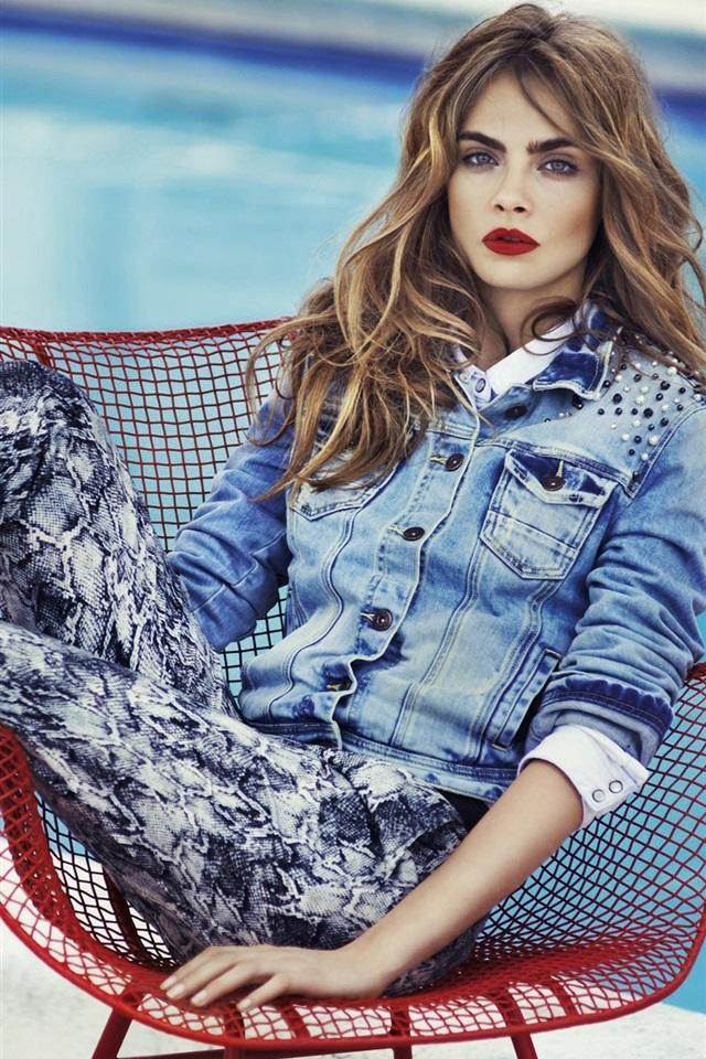Cara-Delevingne-Jeans-Pics