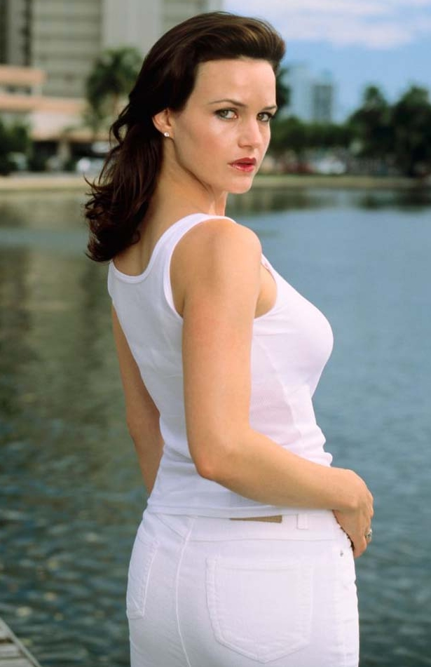 Carla-Gugino-Butt-Pictures