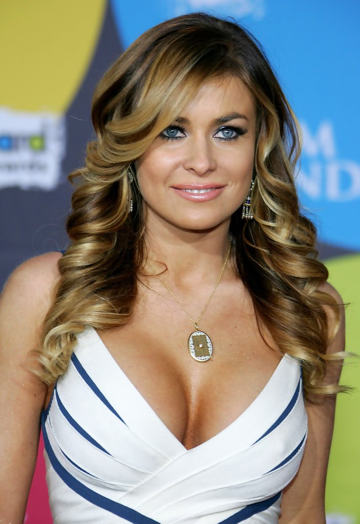 Carmen-Electra-Topless-Images