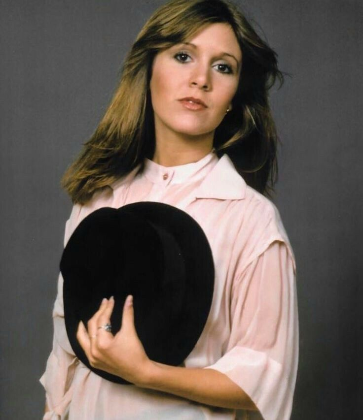 Carrie-Fisher-Sexy-Eyes-Pics