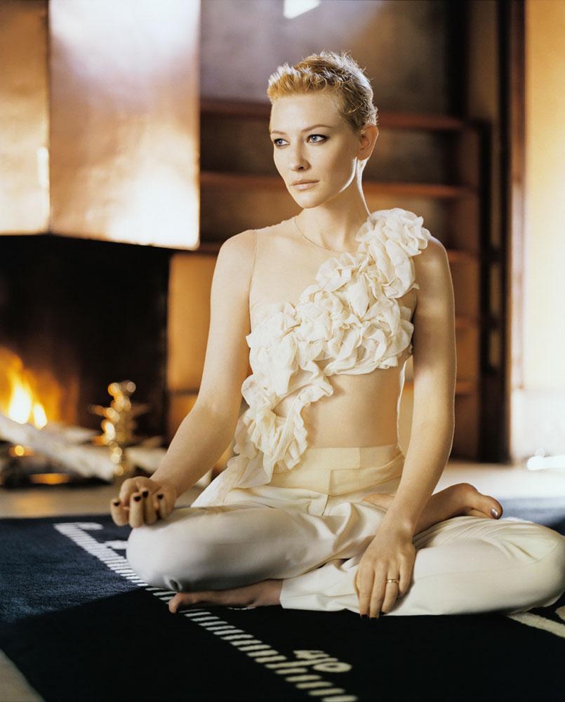 Cate-Blanchett-Navel-Pics