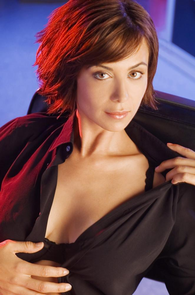 Catherine-Bell-Braless-Images