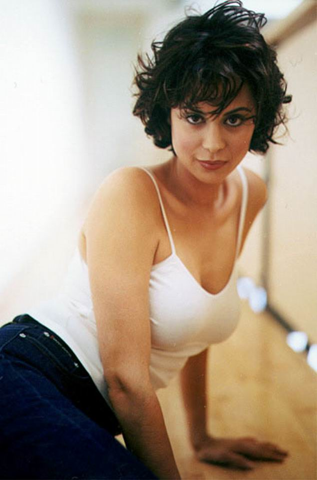 Catherine-Bell-Leaked-Images