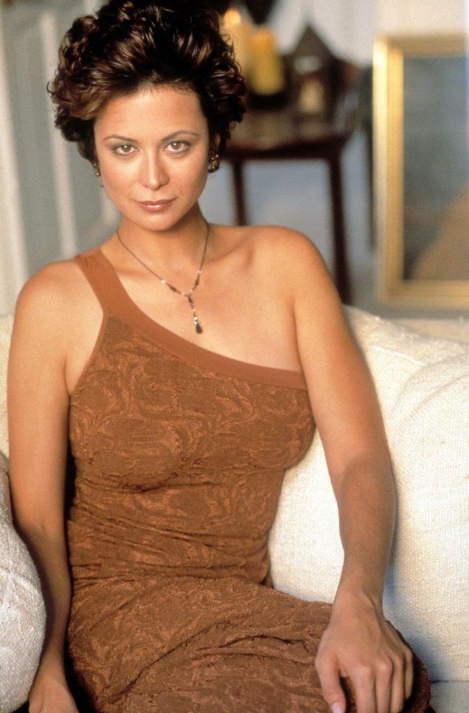 Catherine-Bell-Makeup-Photos