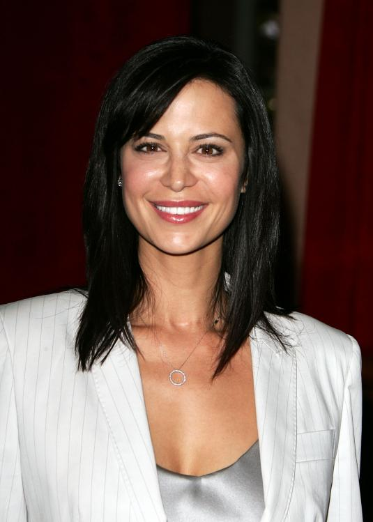Catherine-Bell-Smile-Photos