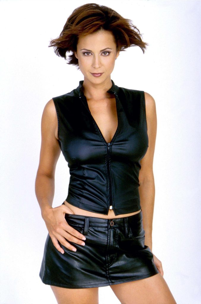 Catherine-Bell-Thighs-Pics