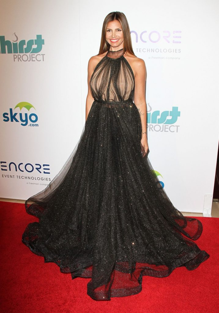 Charisma-Carpenter-Gown-Wallpapers