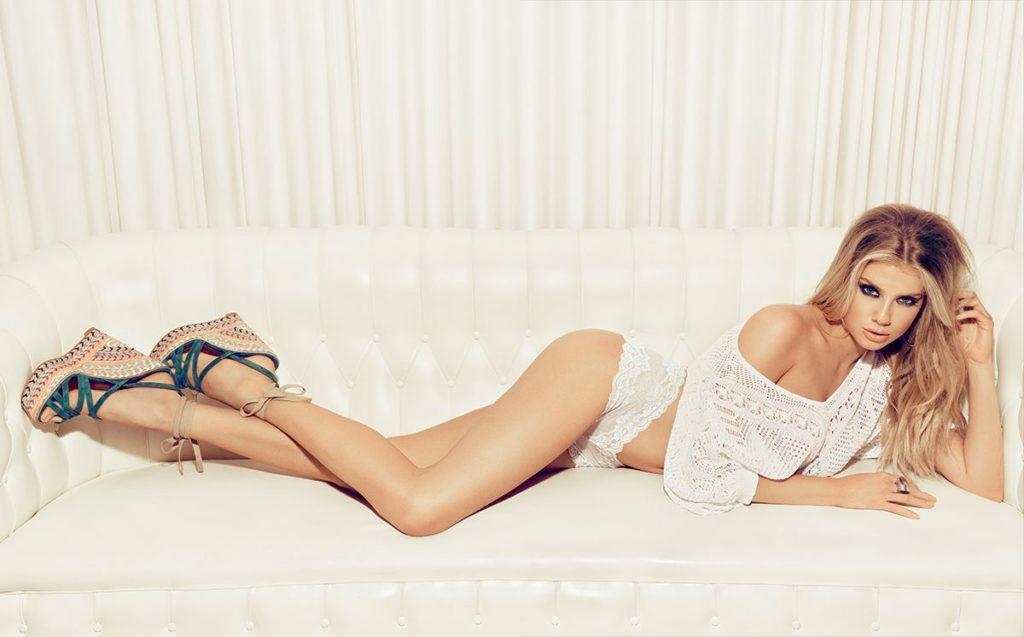Charlotte-McKinney-Bikini-Images