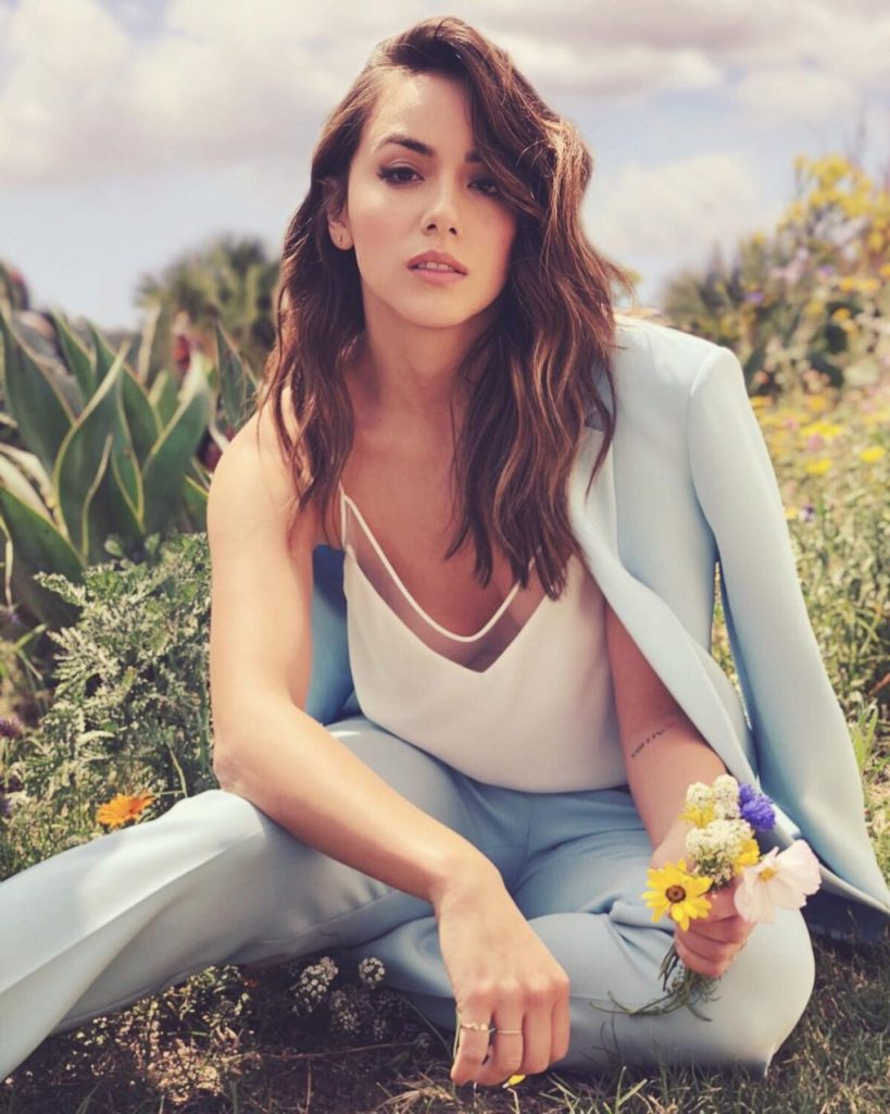 Chloe-Bennet-Jeans-Pics