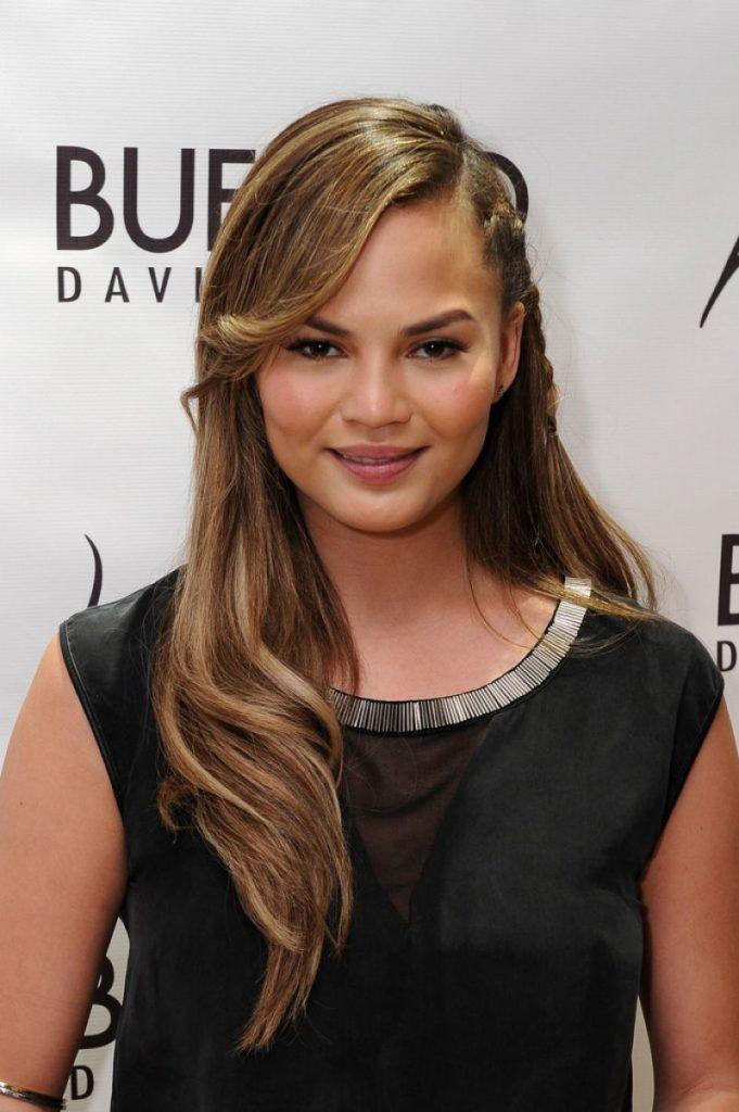 Chrissy-Teigen-Hair-Style-Images