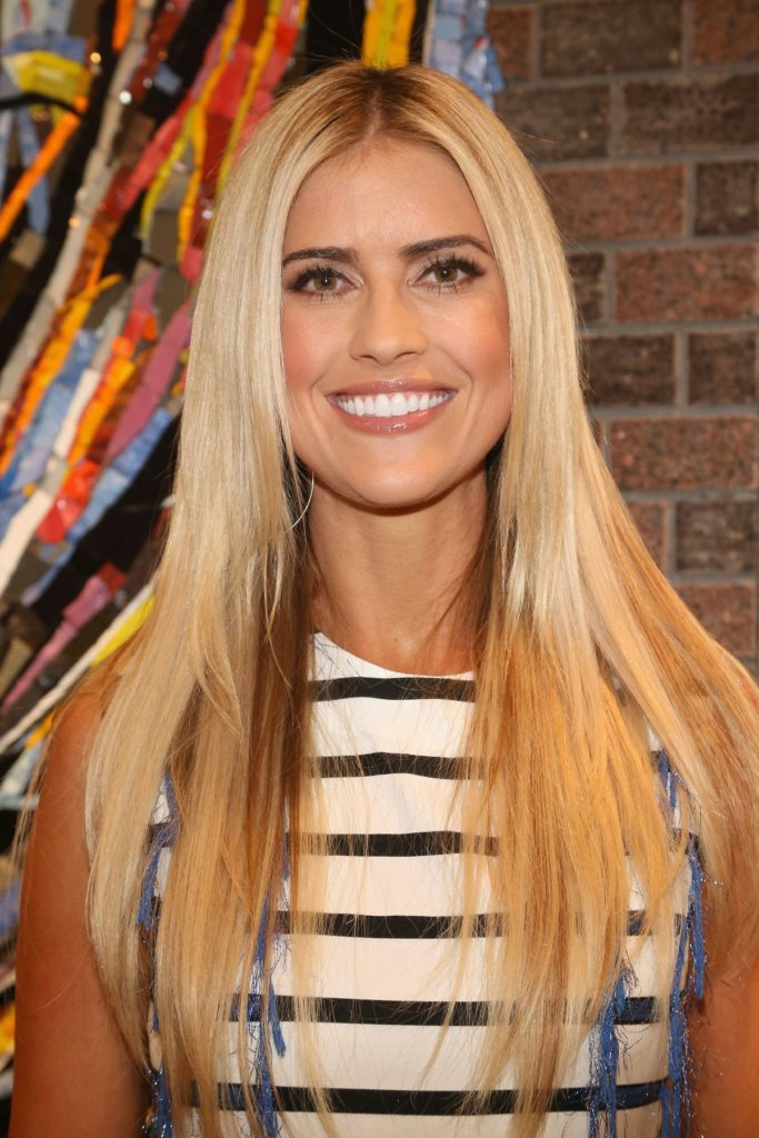 Christina-Anstead-Hair-Style-Images