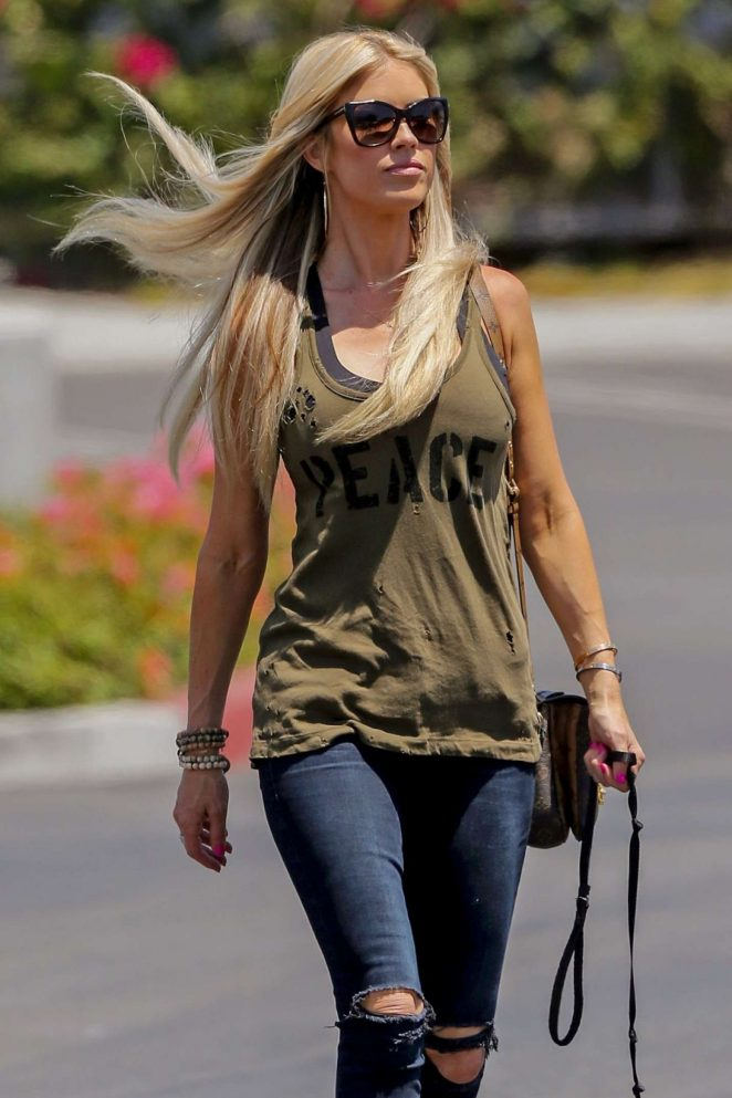 Christina-Anstead-Jeans-Pics