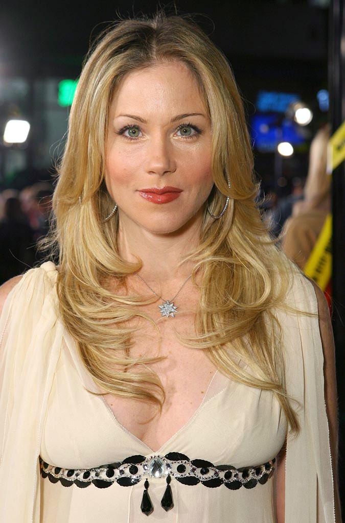 Christina-Applegate-Breast-Photos
