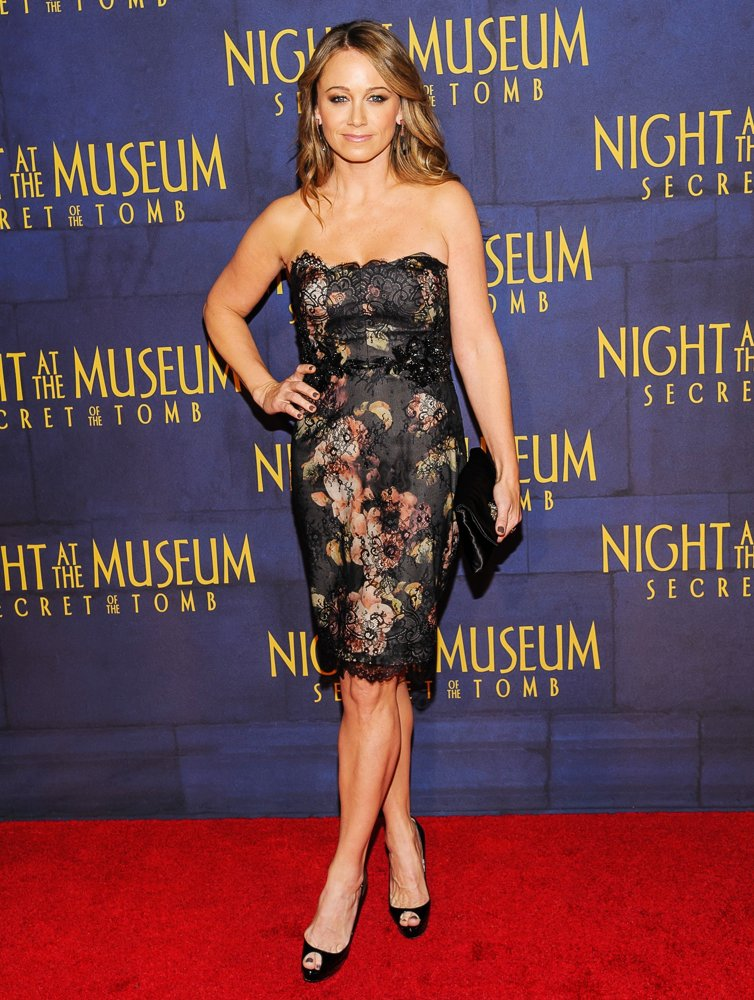 Christine-Taylor-Thighs-Images