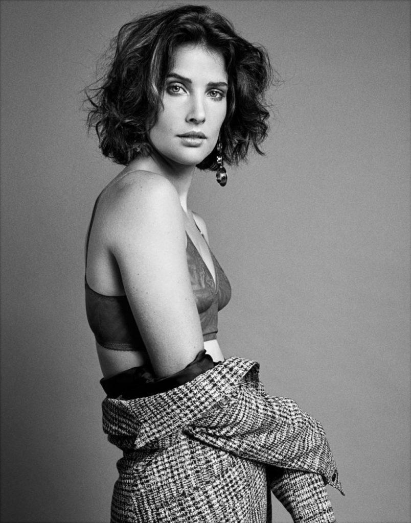 Cobie-Smulders-Bra-Photos