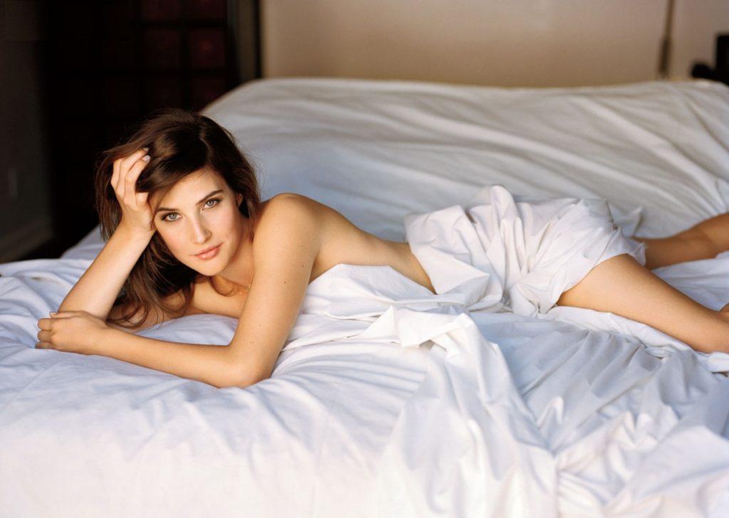 Cobie-Smulders-Hot-Body-Photos