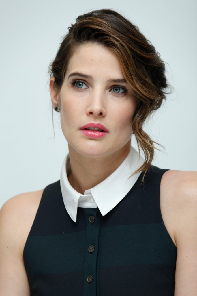 Cobie-Smulders-Sexy-Eyes-Pics