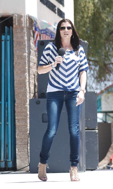Dana-Loesch-Jeans-Wallpapers