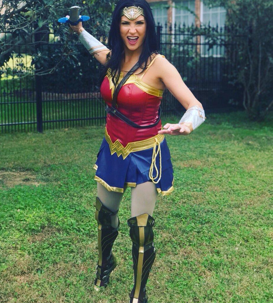 Dana-Loesch-Wonder-Woman-Look-Images