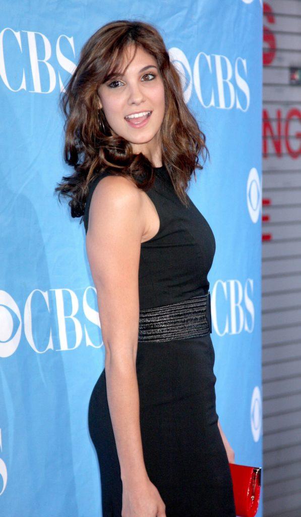 Daniela-Ruah-Short-Hair-Pics