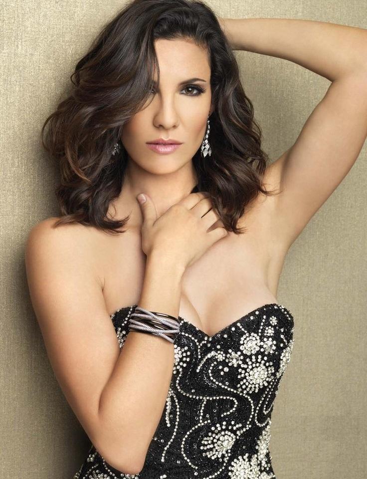 Daniela-Ruah-Topless-Pics