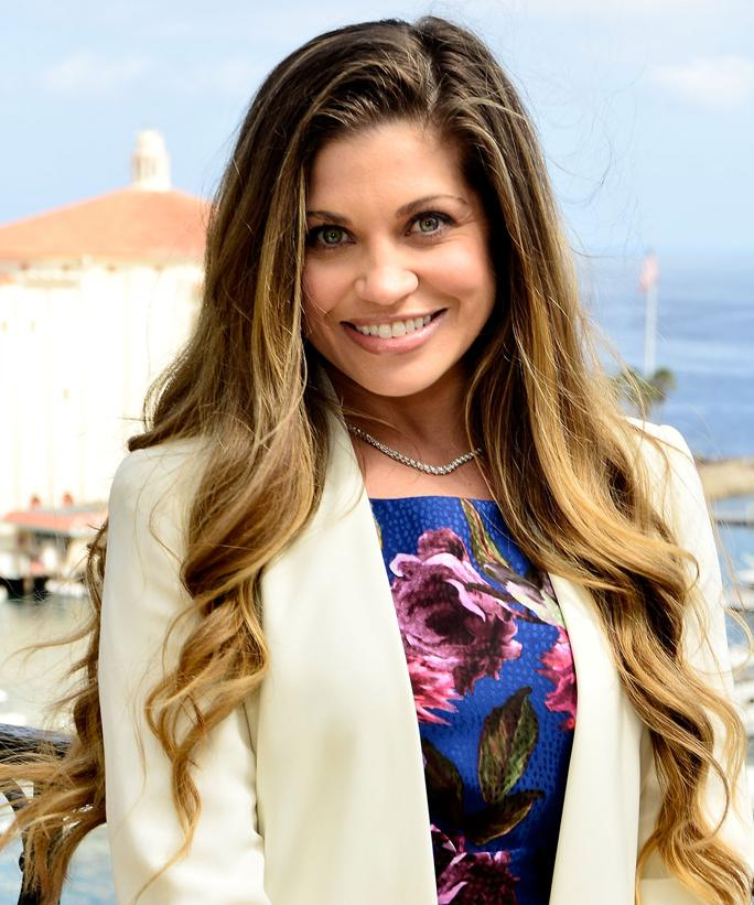 Danielle-Fishel-Smile-Wallpapers