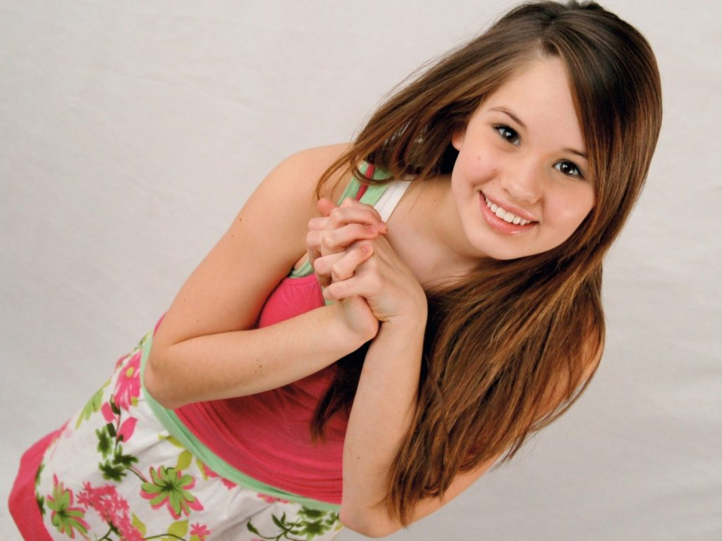 Debby-Ryan-Smile-Wallpapers