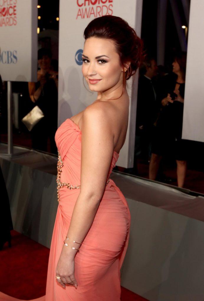 Demi-Lovato-Backless-Photos