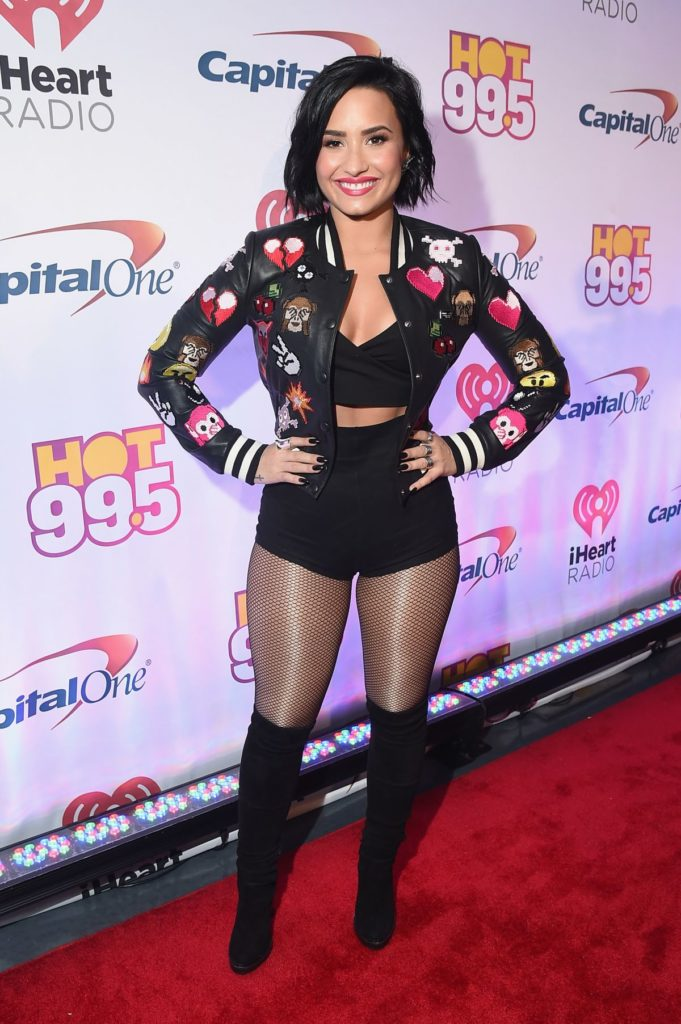 Demi-Lovato-Bra-Panty-Photos