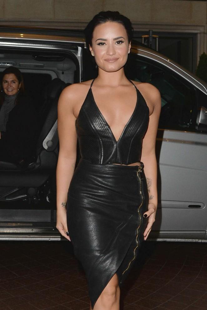 Demi-Lovato-Sexy-Body-Images