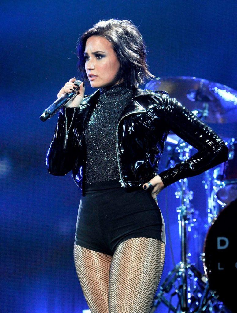 Demi-Lovato-Upskirt-Images