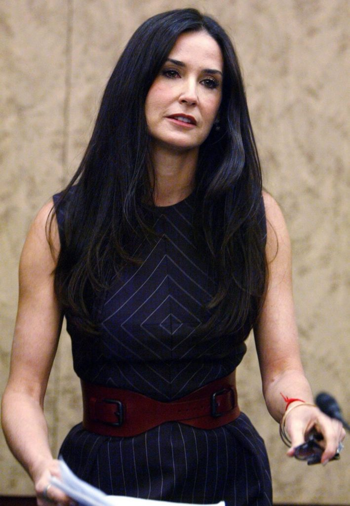 Demi-Moore-Muscles-Photos