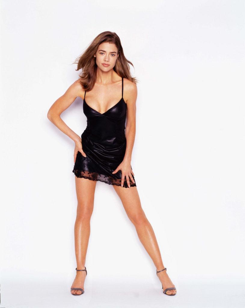 Denise-Richards-Bikini-Wallpapers