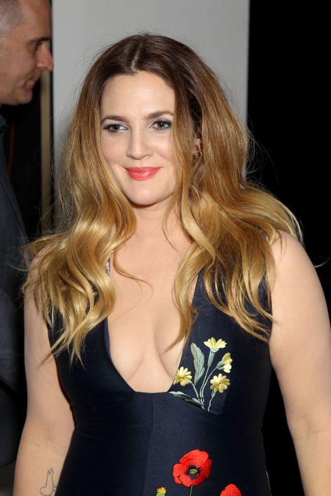 Drew-Barrymore-Topless-Pics