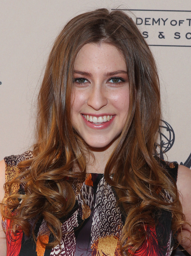 Eden-Sher-SMile-Pictures